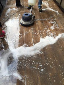 Rigenerazione moquette e pulizia pavimenti in moquette